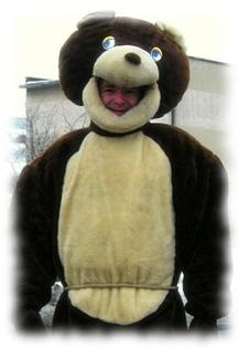 Fot. 2) Przyworski strój niedźwiedzia.